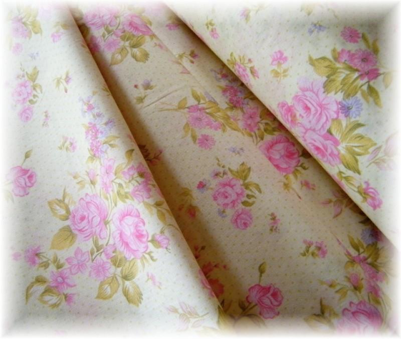 kytičky růžové na smetanovém