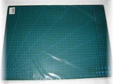 řezací podložka oboustranná-30 x 45 cm