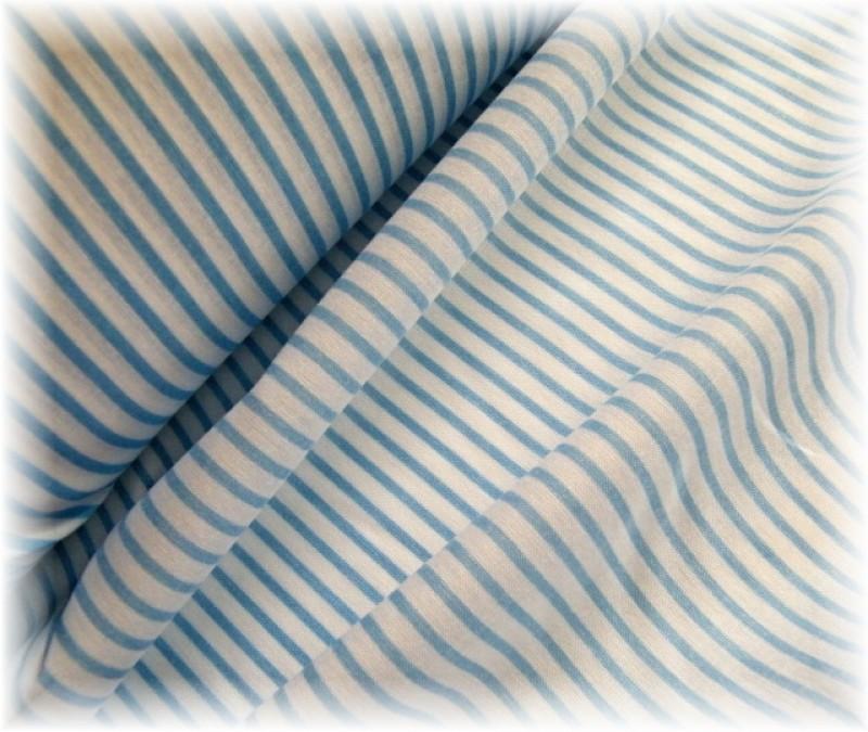 světle modrý proužek-zbytek 40 cm