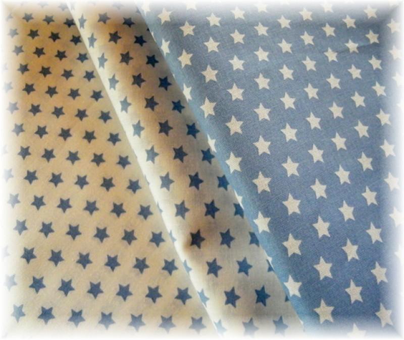 modré hvězdičky na bílém