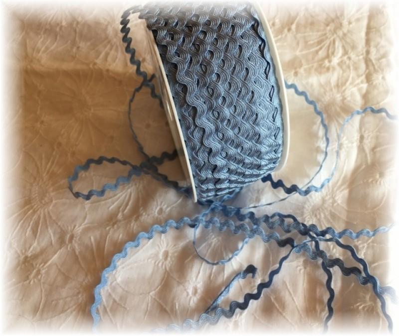 hadovka-modrá