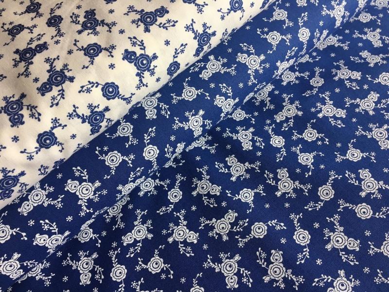 venkovský květ na modrém podkladě