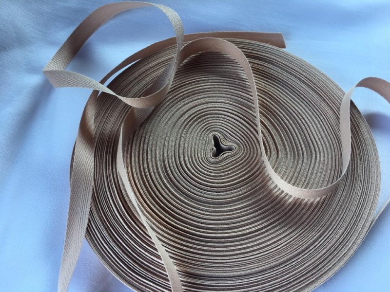 keprovka-tkaloun hnědá světlá šíře 10 mm