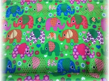 100% bavlna-sloni na zeleném