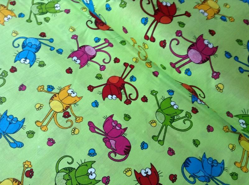 kočky na zeleném-10 metrů