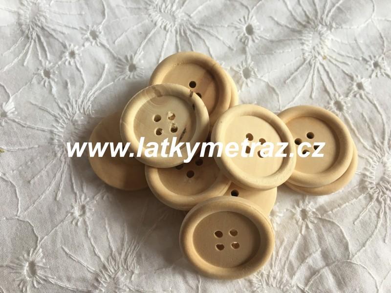 dřevěný knoflík-čtyřdírkový velikost 48