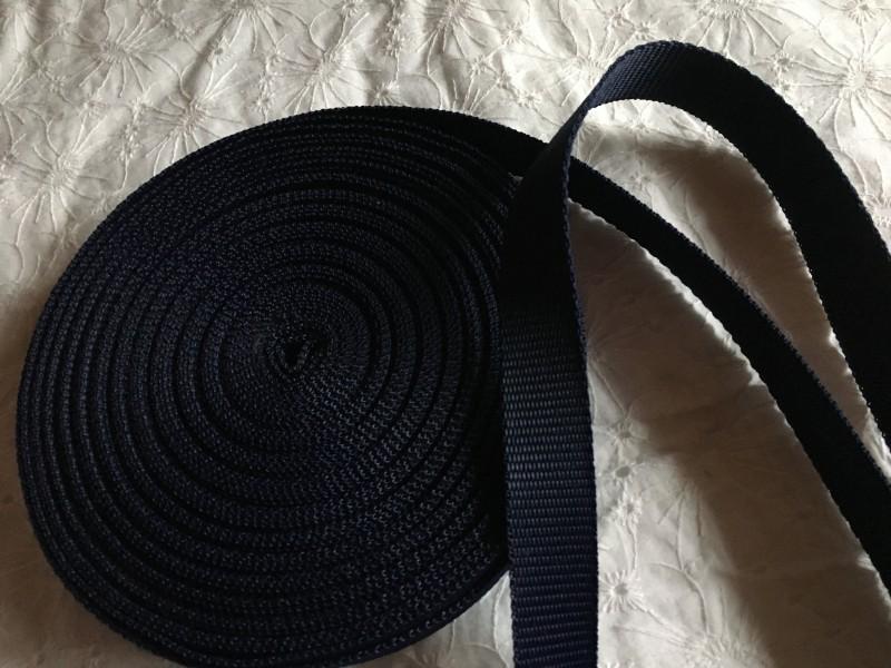 popruh-černý 20 mm