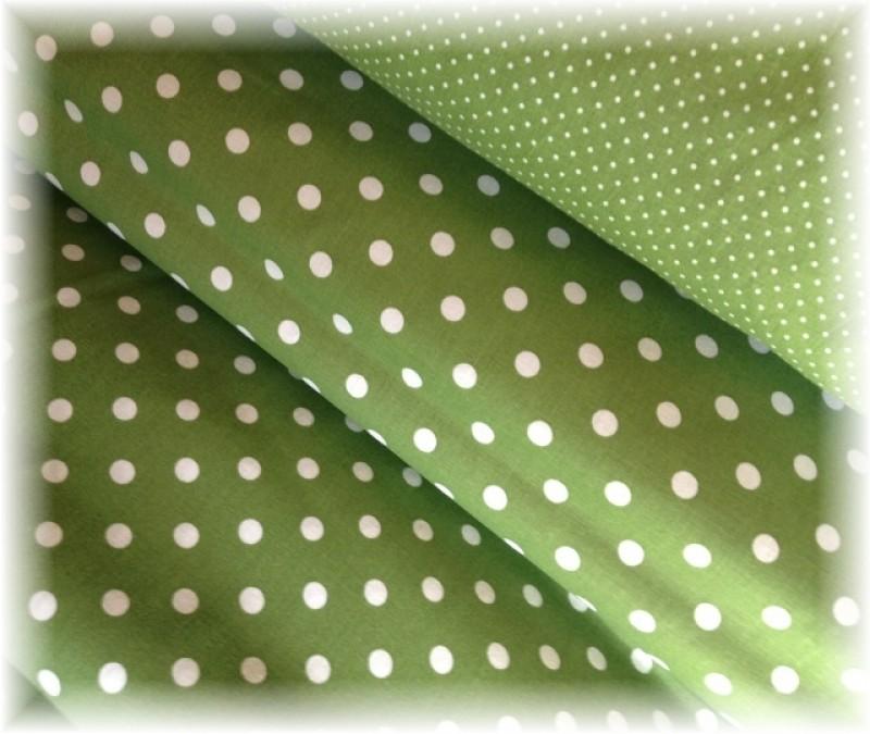 puntík na tmavě zelené -menší-10 metrů