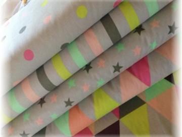 kolekce barevná-puntíky