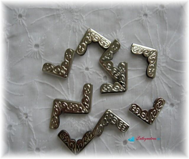 růžek-kov-ornamenty