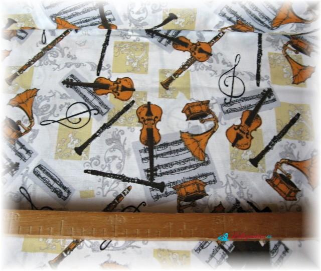 hudební nástroje hnědé